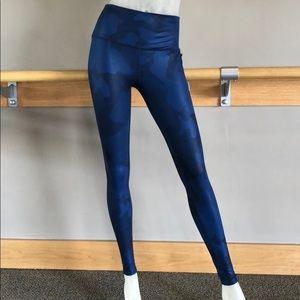 Alo Yoga High-Waist Airbrush Legging Navy Camo